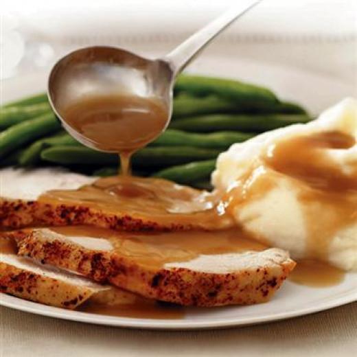 Deliciously Easy Homemade Turkey Gravy