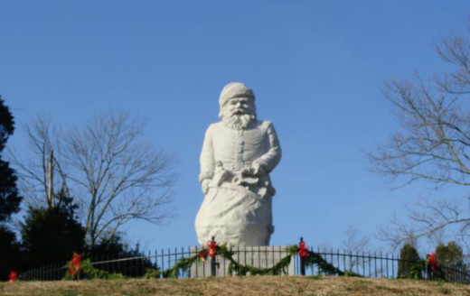 Statue of Santa outside the Santa Claus Museum and Village