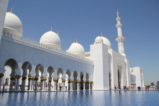 Sheikh Zayed Mosque front