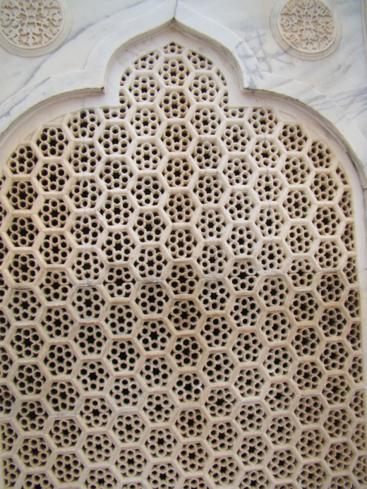 Jali work of Taj Mahal; Pure Marble work