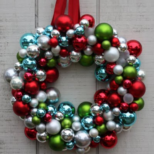 Christmas Bauble DIY Wreath
