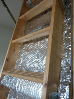 Loft hatch insulated with bubble insulation