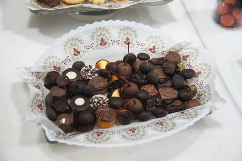 Chocolate coated fruit bonbons