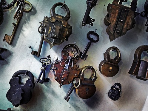 Locks and Keys: History of securing stuff