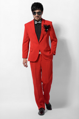 Red is H-H-HOT. It's considered the HOTTEST color in the spectrum.There's NO HOTTER color than red. It SHOUTS. It ANNOUNCES. It ATTRACTS others to you.It' s QUITE a CONVERSATION STARTER or BREAKER.
