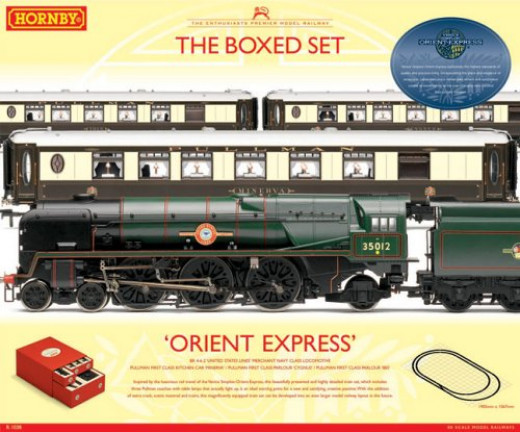 Boxed Hornby Orient Express set with Pullman cars and Southern Railway Pacific