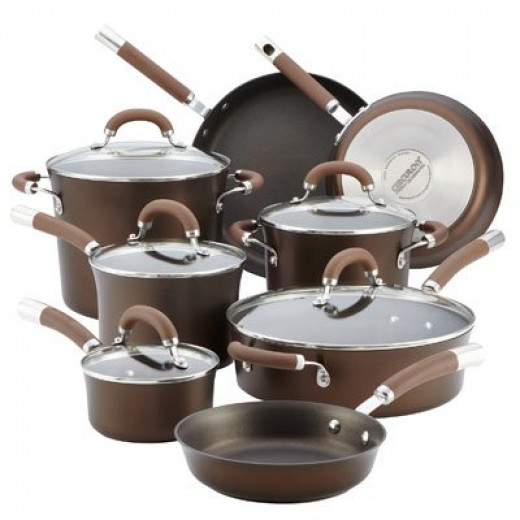 Color: Chocolate. Circulon Premier Professional features the TOTAL Food Release System of circles for extraordinary food release with exceptional durability that reduces surface abrasion. With Autograph, the most advanced 3-layer nonstick from DuPont