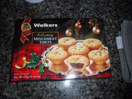minced pies, a pastry case filled with mincemeat