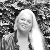 LynRagan profile image