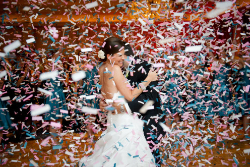 A first dance confetti drop