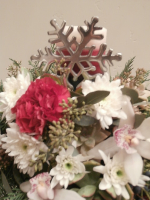 A silver snowflake to ring in the season.