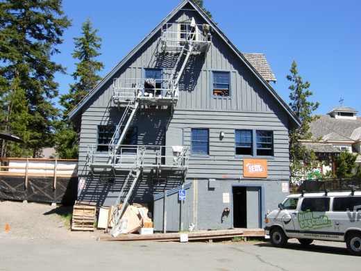 South side of Lodge, with Demo Shop (where we rent our gear).