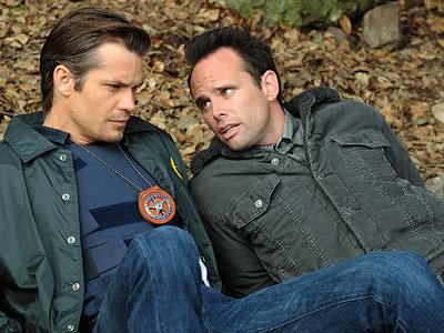 Raylan (Olyphant) and Boyd (Goggins)