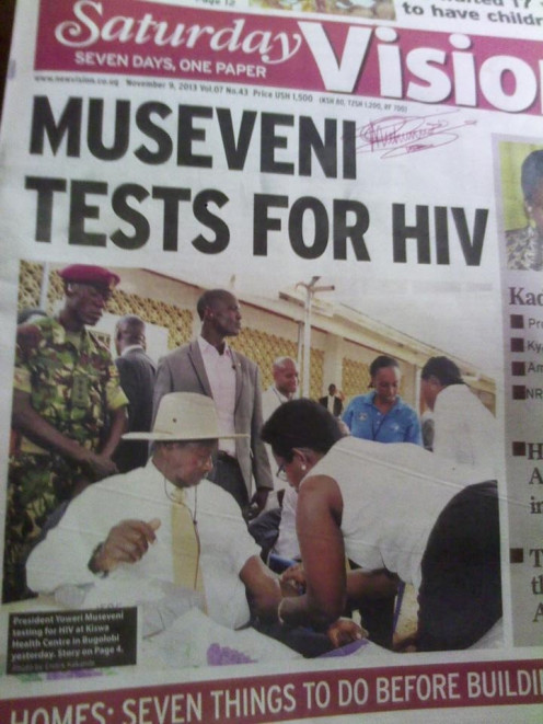 H.E. The President of the Republic Of Uganda, Dr. Lt. Gen Yoweri Kaguta Museveni testing for HIV. Demystifying tesing for HIV.