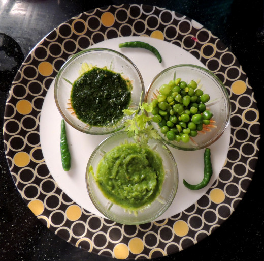 Ingredients ...Clockwise : Coriander-GrennChili paste,Green peas and Paste of Green peas