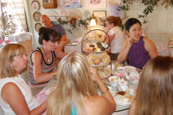 How to plan an adult or child's tea party like Alice in Wonderland