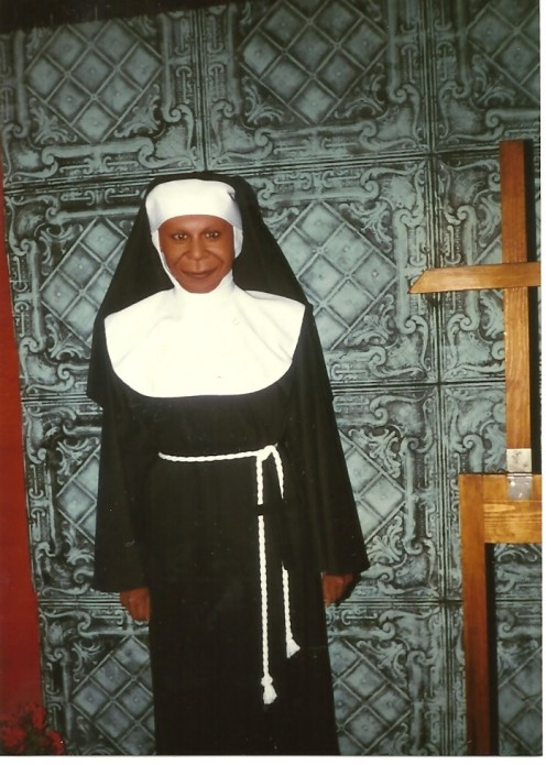 Sister Act( 1992) Starring Whoopi Goldberg