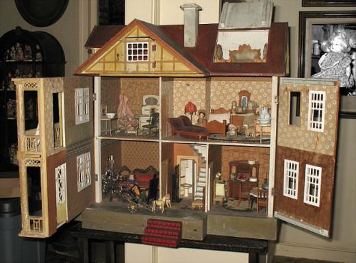 An Antique English Dollhouse.