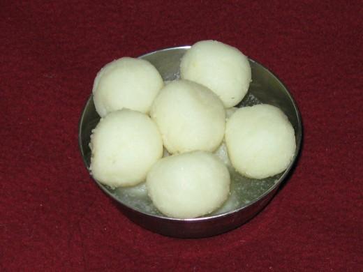 Rosogullas - Bengali Sweet