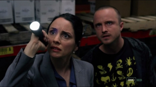 Lydia and Pinkman finds tracker beneath the barrel of methylamine