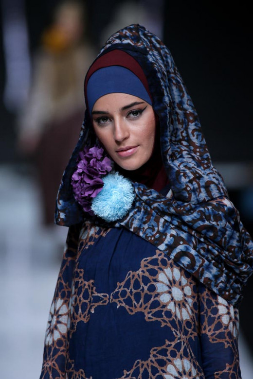 JAKARTA Oct 20, 2013/ — Nur Zahra unveils her 2014 collection at the Indonesia Fashion Forward fashion show during Jakarta Fashion Week 2014 at Senayan City on October 19, 2013 in Jakarta.
