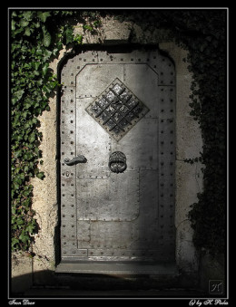 Iron Door from Helmut Pizka flickr.com