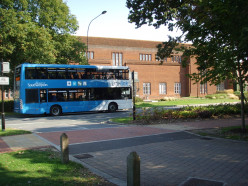 Uni-link bus passing the Hartley Library, University of Southampton