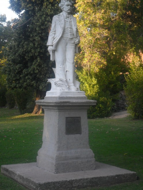 Mark Twain Statue in Angels Camp Park