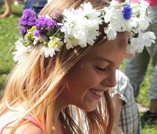 Midsummer girl from Bo Kage Carlson flickr.com