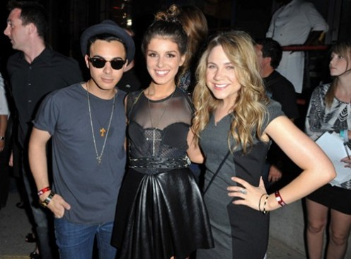 Adamo, Shanae and Lauren at the MuchMusic Video Awards in 2010.