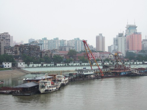 As of 2013, reports indicate that companies still dump sewage into the Yangtzee.