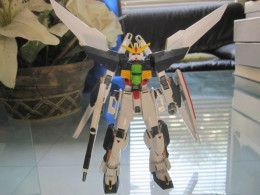 Released in late 2013 around the time Gundam Build Fighters is airing, the new Gunpla model fo the Double X has a brand new construction that comes from the style used for the suits that appear in the new series.