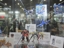 At the bluefin booth at last year's AX, they displayed several gunpla models that would appear in the new show.