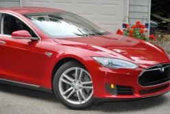 Tesla Model S 2013: Sporty 100% Electric Car