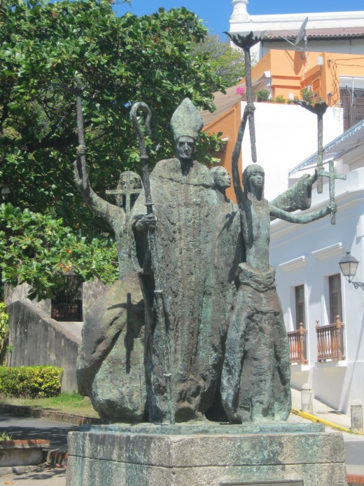 One of many statues in Old San Juan
