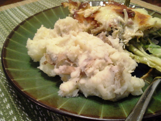 Easy Peasy Homemade Mashed Potatoes