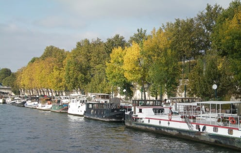 Bateaux on the Seine © A Harrison