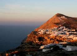 Folegandros: Sophisticated Island of the Winds