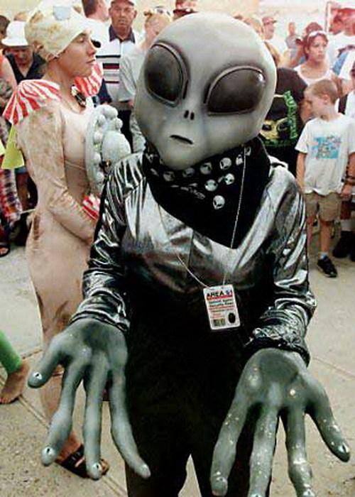 Roswell is SO much fun...Please take me to your leader!