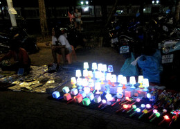 Visitors to Bangkok might appreciate a guide to the many night markets to explore...