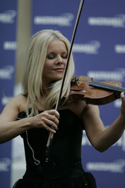 Mairead Nesbitt on the Fiddle