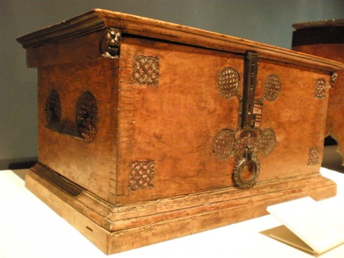 Italian inlaid chest about 1500. (V & A Museum, London).