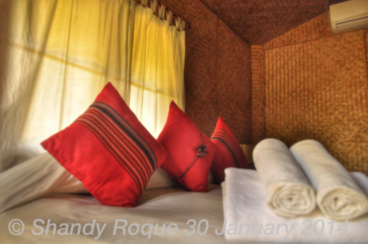 Both Chiang Dao Nests 1 and 2 have tastefully decorated bungalows that have a charming ethnic and rustic touch.