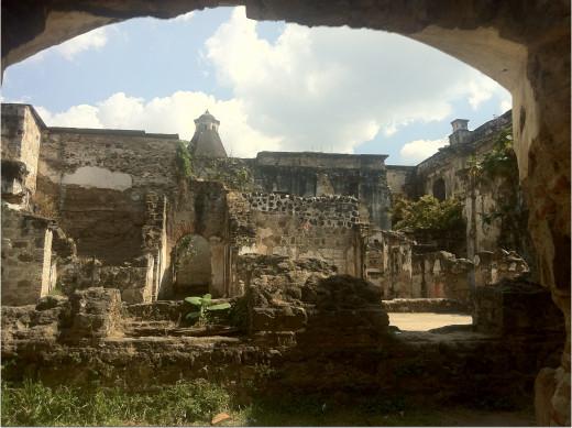Cathedral de Santiago in ruins. Central Antigua town.