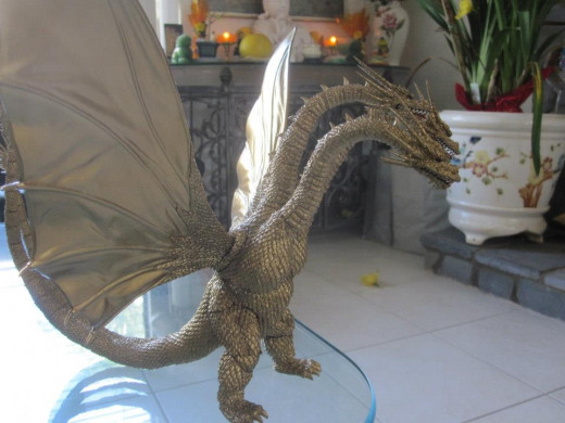 SH MonsterArts King Ghidorah.