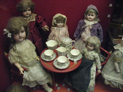 Antique Doll Collecting - Finding Your Special Focus