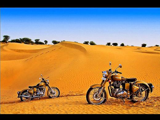 Royal en-field classic Desert storm