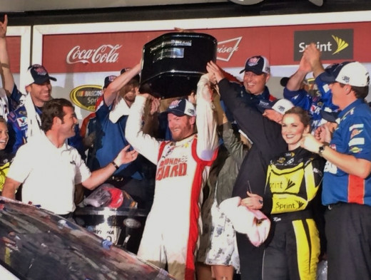 Raising the trophy to celebrate his Daytona 500 victory