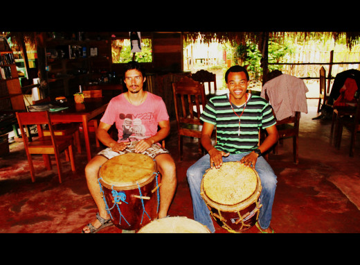 Andy and Warren, our tutor and one of the best Garifuna drummers in Belize
