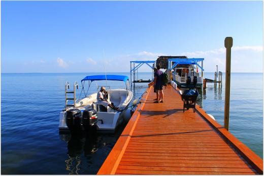 Hamanasi jetty, snorkel boat and captain Neil.